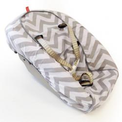 newbornhoes-stokke-chevron-grey